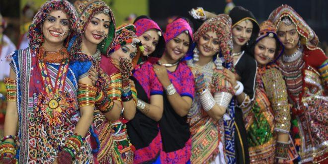 live-navratri-garba-gandhinagar-cultural-forum-2017-660x330