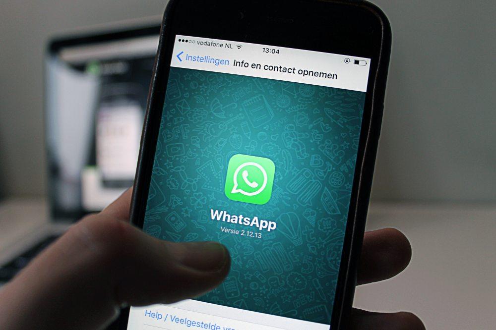app-apple-chat-46924.jpg
