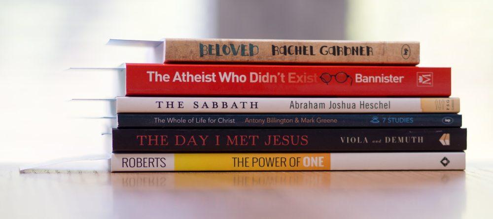bookcase-books-bookstore-917832.jpg