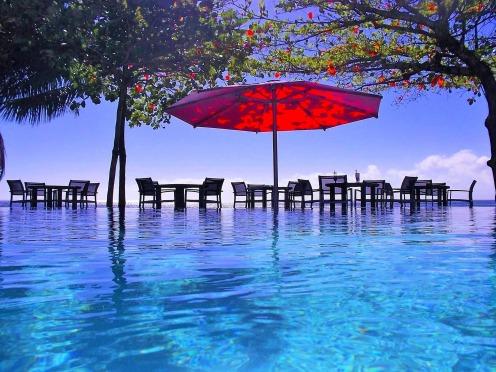 pool-2858012_1920