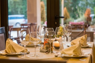 restaurant-449952_1920